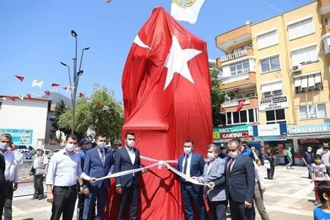 Alanya'ya Karamanoğlu Mehmet Bey heykeli...